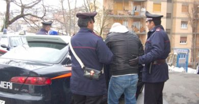 arresto carabinieri violenza donne ceprano frosinone ciociaria