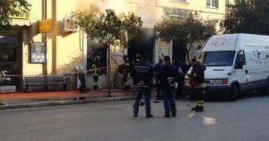 incendio fiamme cassino gioielleria frosinone ciociaria