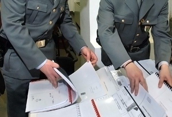 Guardia-di-finanza-fiamme-gialle-controlli-documenti il corriere della provincia frosinone ciociaria