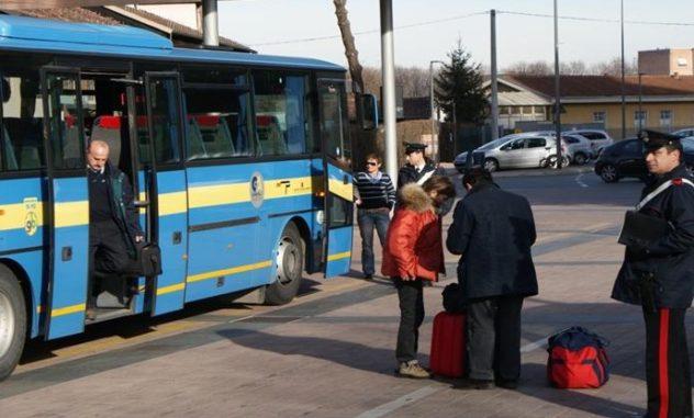 pullman studenti controllo carabinieri il corriere della provincia