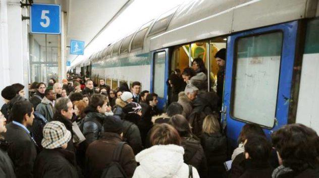 treni affollati il corriere della provincia
