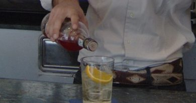 alcolico bancone bar il corriere della provincia