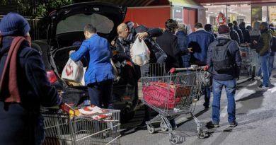 fila supermercato coronavirus il corriere della provincia