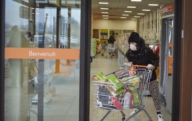 chiusura negozi il corriere della provincia