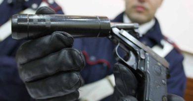 carabiniere pistola il corriere della provincia