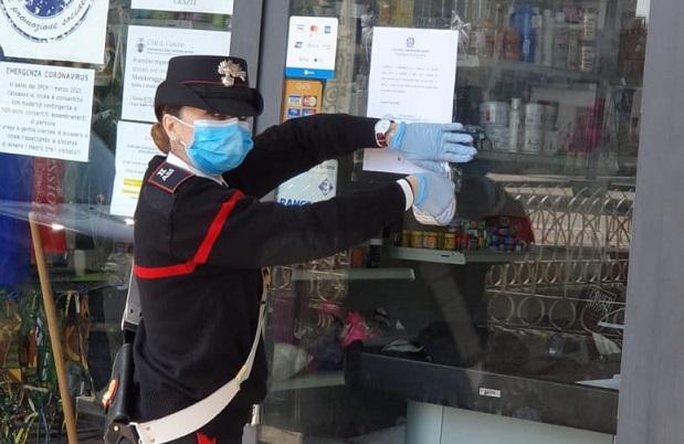 carabiniere sigilli negozio il corriere della provincia
