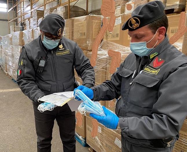 mascherine sequestro il corriere della provincia