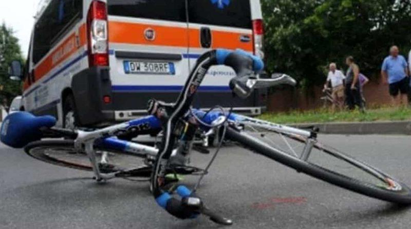 ciclista investito il corriere della provincia