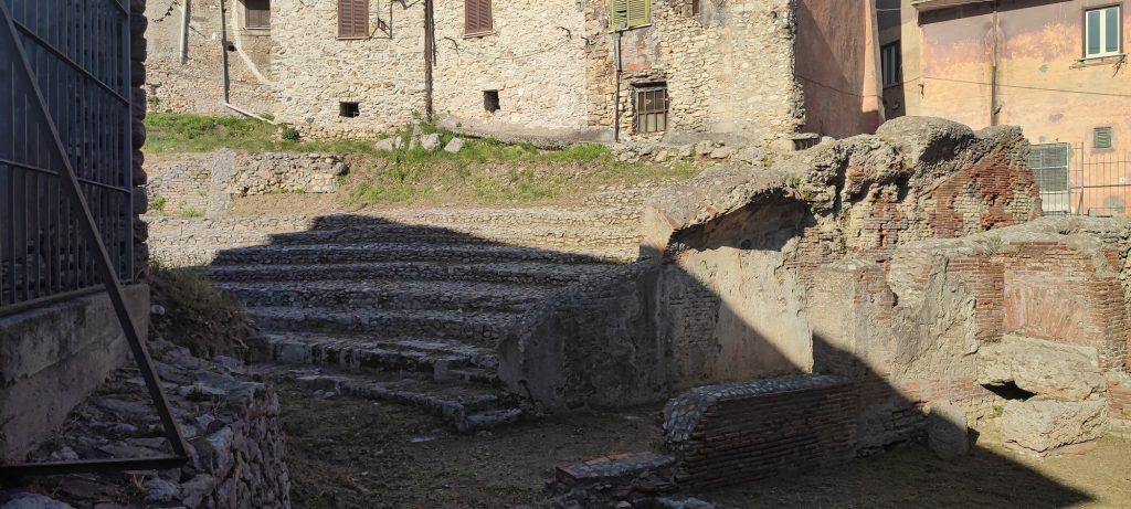 teatro romano ferentino