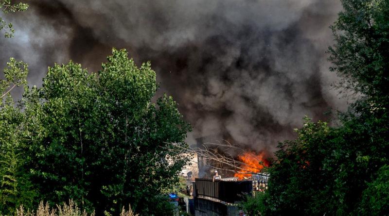 mecoris incendio fabbrica stabilimento rifiuti speciali fumo tossico nube frosinone ciociaria vigili del fuoco nicola ottaviani ordinanza sindaco