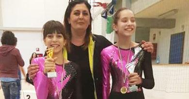 Atlete con Cerroni Tiziana Rachele Compagnone trampolino elastico