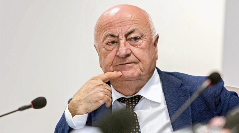sindaco nicola ottaviani frosinone ciociaria compleanno auguri faceapp invecchiato vecchio scherzo