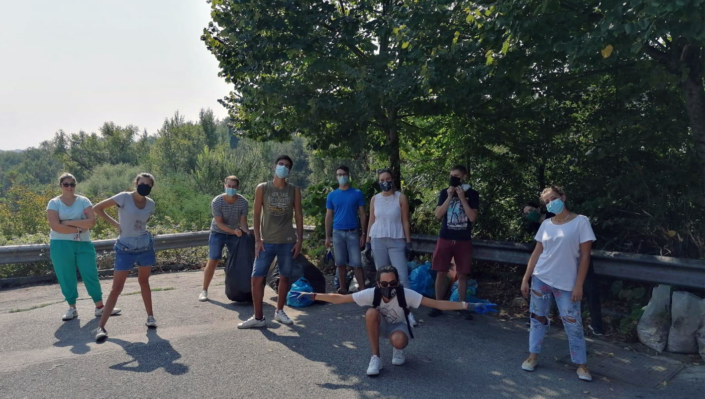 Frosinone – World Cleanup Day: ripulito il parco di Fontana Tonica. I volontari hanno raccolto 60 kg di rifiuti