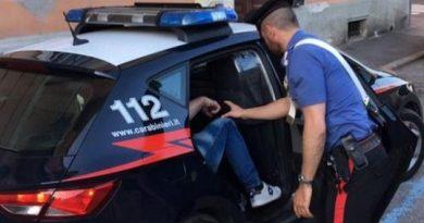 Frosinone – Ladro incastrato dall'allarme: arrestato in sella a una bicicletta